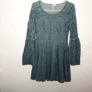 Francesca's collection alya green lace mini dress